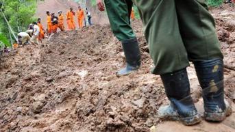 Hujan Deras Sebabkan Longsor, Jalan Penghubung 2 Kecamatan di OKU Sumsel Terputus