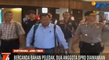 Candaan ini membuat pesawat Garuda GA 265 yang hendak terbang dari Banyuwangi menuju Jakarta menunda penerbangan.