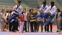 Menpora Imam Nahrawi meninjau pelatnas cabang olahraga taekwondo di GOR Popki, Cibubur, Jakarta Timur, Kamis (22/2/2018). (Humas Kemenpora)