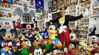 Janet Esteves, kolektor Mickey Mouse terbanyak. (Dok. Twitter @debriharyanto/https://twitter.com/debriharyanto/status/325492521646051329/Henry