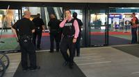 Seorang polisi menjadi korban serangan penusukan di Bishop International Airport, Michigan, AS. (AP)