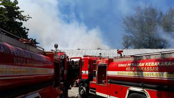 RSKD Dadi Makassar Kebakaran, Petugas Damkar Berjibaku Padamkan Api