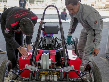 Kompetisi Mobil Listrik Antar Universitas di IIMS 2019