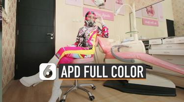 Beredar foto-foto dokter gunakan alat pelindung diri (APD) berbeda dari yang lain. Karena APD yang digunakan bukan berwarna putih saja melainkan berwarna-warni.