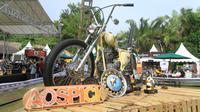 Hajatan bertajuk Custom War direncanakan berlangsung 11-12 Januari mendatang di Taman Festival Bali, Padang Galak, Denpasar, Bali.