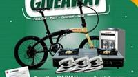 PDAM Kota Bengkulu memberikan hadiah sepeda lipat untuk pelanggan yang tertib melakukan pembayaran tagihan. (Liputan6.com/Yuliardi Hardjo)