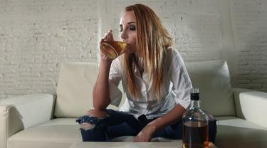 [Bintang] Ilustrasi kecanduan alkohol