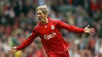 Fernando Torres - Torres mencatatkan masa keemasnya saat bersama Liverpool. Bergabung Liverpool pada 2017, Torres langsung menjadi pencetak gol terbanyak klub di musim pertamanya dan menempatkannya di posisi kelima daftar pencetak gol terbanyak tim di Liga Inggris. (AFP/Paul Ellis)