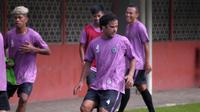 Abdelkbir Khairallah menjalani seleksi di PSS. (Bola.com/Vincentius Atmaja)
