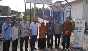 Dirut Bakti Anang Latif bersama Wakil Bupati Natuna, beserta Jajaran terkait di Noc Natuna. www.sulawesita.com/Ajang Nurdin