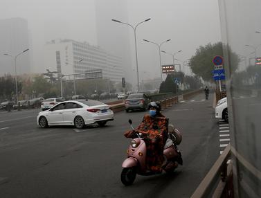 Kabut Asap Tebal Selimuti Kota Beijing
