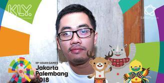 Antusias Dennis Adhiswara beri dukungan untuk atlet bulutangkis Indonesia yang akan bertanding hari ini di babak final.
