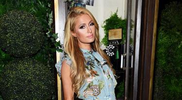 [Bintang] Paris Hilton