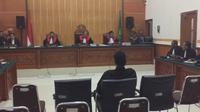 Terdakwa Hercules Rosario Marshal divonis delapan bulan penjara. (Liputan6.com/Ady Anugrahadi)