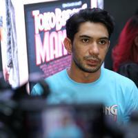Reza Rahadian jumpa pers film terbarunya Toko Barang Mantan di Melawai, Jakarta Selatan, Selasa (14/1/2020). (Daniel Kampua/Fimela.com)