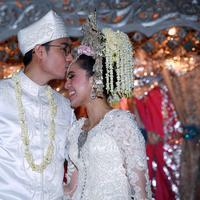 Nycta Gina dan Rizky Kinos. Menikah pada Minggu, 2 Agustus 2015 di Gedung Arsip Nasional, Jalan Gajah Mada, Taman Sari, Jakarta Barat. (Deki Prayoga/Bintang.com)