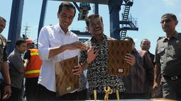 MoU atau nota kesepahaman itu diantaranya berisikan tentang pemasaran hasil-hasil pertanian Provinsi Sulsel di DKI Jakarta, Minggu (11/5/14). (Liputan6.com/Herman Zakharia)