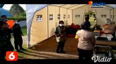 Wali Kota Surabaya Tri Rismaharini Jumat sore (13/11) menggelar apel tanggap bencana, di halaman Balai Kota Surabaya dengan melibatkan personel tanggap bencana. Pemkot Surabaya juga mendirikan 8 Posko Tanggap Bencana di pesisir pantai,