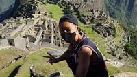 Jesse Takayam akhirnya bisa masuk ke Machu Picchu seorang diri setelah terdampar selama tujuh bulan di Peru (Dok.Twitter/@ApuntesDelMundo/https://twitter.com/ApuntesDelMundo/status/1315768749933424641/photo/1))