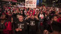 Warga Toronto Gelar Nobar saat Raptors berlaga di NBA Finals 2019 (AP)