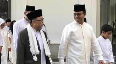 Gubernur Anies Baswedan salat Idul Fitri di Balai Kota Jakarta, Rabu (5/6/2019)