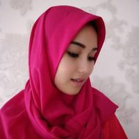 Ayu Ting Ting mengenakan hijab (Instagram/@ayutingting92)