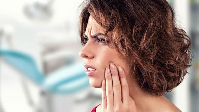 Cara Cepat Obati Sakit Gigi Pakai Garam Bawang Putih Beauty