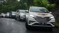 Hujan menemani perjalanan menuju Semenggoh Nature Reserve sebagai wonders ke-6. (Dian / Liputan6.com)