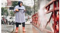5 Momen Walikota Surabaya Ikut Bersihkan Lingkungan, Patut Dicontoh (sumber: Instagram.com/surabaya)