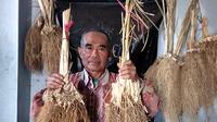 Keberadaan minyak akar wangi Garut sudah lama dikenal pasar internasional. (Liputan6.com/Jayadi Supriadin)
