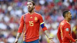 Sergio Ramos - Benteng kokoh Real Madrid ini tak masuk skuat Timnas Spanyol asuhan Luis Enrique. Ramos terpaksa dicoret dari timnas karena menjalani musim yang buruk lantaran sering dihantam badai cedera. (Oscar Del Pozzo)