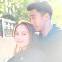Cantik dan tampan, gaya couple goals ini selalu memikat hati netizen. (Sumber foto: chelseaislan/instagram)
