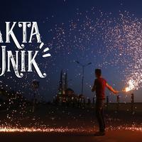 Nggak cuma di Indonesia, di berbagai negara di dunia juga punya tradisi unik Ramadan. Penasaran? (MOHAMMED ABED / AFP)