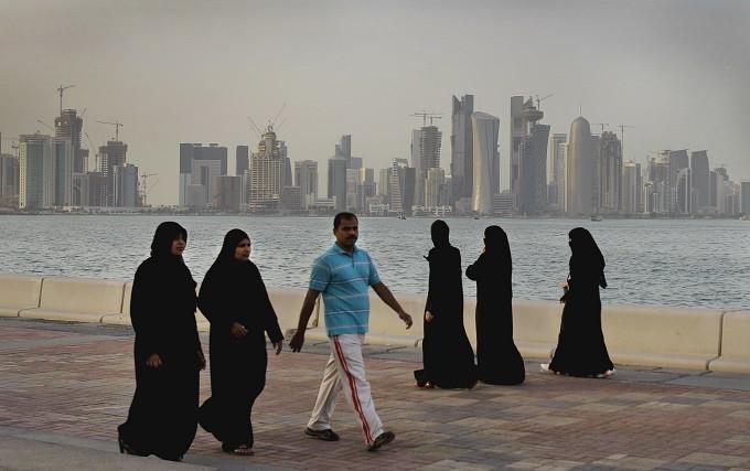 Sejumlah negara yang dipimpin oleh Arab Saudi mengambil langkah terkoordinasi, memutuskan hubungan dengan Qatar (AP Photo/Kamran Jebreili, File)