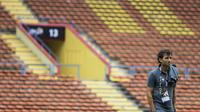 Pelatih Timnas Indonesia, Luis Milla, sebelum melawan Thailand pada laga Grup B SEA Games 2017 di Stadion Shah Alam, Selangor, Selasa (15/8/2017). Kedua negara bermain imbang 1-1. (Bola.com/Vitalis Yogi Trisna)