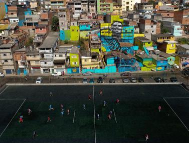 Mural Raksasa Gabriel Jesus Hiasi Kampung Halamannya di Sao Paulo
