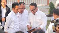 Presiden Jokowi bersama Ketua Tim  Quick Win Super Prioritas yang bertugas mengembangkan pembangunan di lima destinasi wisata. (Istimewa)