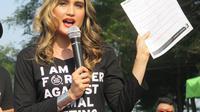 The Body Shop dan Cinta Laura Kiehls baru saja melakukan aksi kampanye untuk mengumpulkan petisi guna perlindungan hewan.