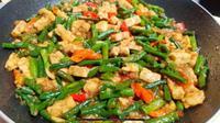 Resep praktis tumis kacang panjang tempe (Tangkapan Layar YouTube Selera Dapur Kita)