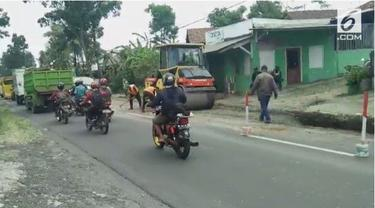 Jalur tengah pulau Jawa terus diperbaiki jelang arus mudik 2018. Beberapa pengerjaan dilakukan, seperti penambalan jalanan.