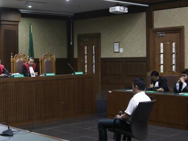 Suasana sidang terdakwa mantan anggota Komisi I DPR, Fayakhun Andriadi di Pengadilan Tipikor, Jakarta, Rabu (31/10). Fayakhun dituntut 10 tahun penjara dan denda Rp 1 miliar subsider 6 bulan kurungan oleh jaksa KPK. (Liputan6.com/Herman Zakharia)