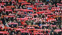 Tiga penerbangan yang dijadwalkan membawa 1.000 suporter Liverpool ke Kiev untuk final Liga Champions dibatalkan karena tak mendapatkan slot di Bandara Internasional Boryspil, Kiev. (AFP/Anthony Devlin)