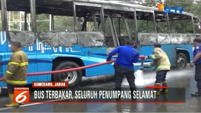 Saat terbakar, bus penumpang jurusan Dipati Ukur - Jatinangor ini tengah membawa beberapa penumpang. Namun, tidak ada korban jiwa.