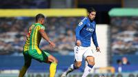 James Rodriguez mencetak satu gol dan assist saat Everton menang besar lawan West Bromwich (AFP)