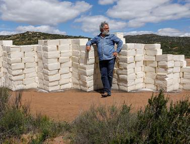 Tembok Batas AS-Meksiko dari Keju