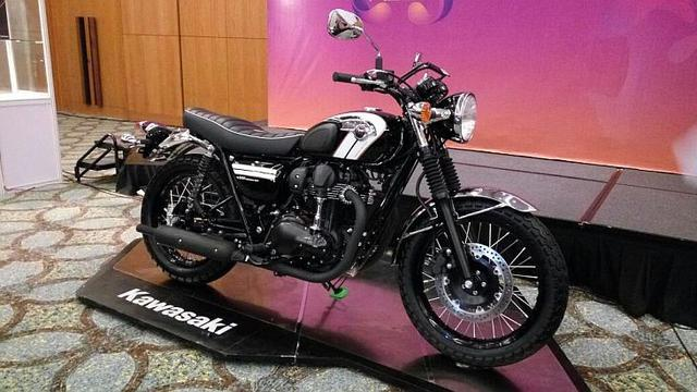 Si Retro Kawasaki W800 Resmi Dirilis Ini Harganya Otomotif