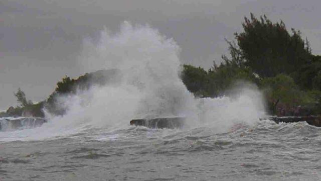 Hasil gambar untuk gelombang tinggi