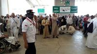 Panitia haji mengingatkan jemaah Indonesia agar tak memaksakan diri untuk lontar jumrah jika tak mampu. (www.haji.kemenag.go.id)