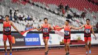 Pelari Tim Putra Indonesia 4x100M di Asian Games 2018 Fadlin, Lalu Zohri, Eko Rimbawan and Bayu Kertanegara (Anthony WALLACE / AFP)