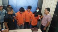 Tiga orang bandar narkoba di Kota Palembang diringkus tim Satreskrim Narkoba Polresta Palembang (Liputan6.com / Nefri Inge)